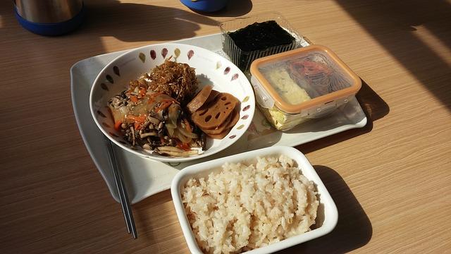 炊き込みご飯のお弁当腐る画像